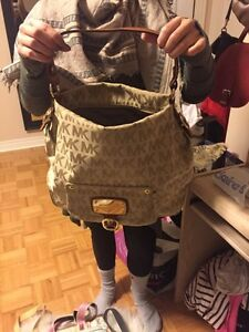 Authentic Mk bag must goooooo