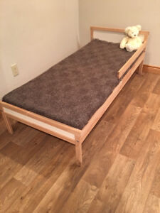 Child's Bed in Excellent Condition