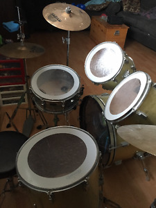 Beginner drum Kit