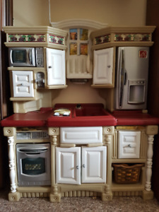 Beautiful Toy Kitchen