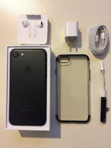Mint Condition Iphone 7 Matte Black 32 GB (Unlocked)