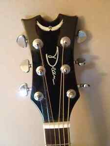 **LEFT HANDED DEAN GUITAR**WITH HARD SHELL CASE***