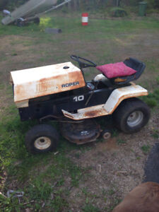 2 lawn tractors for sale parts or repair