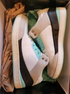 Size 8 diamond shoes for sale NEW