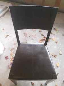 Glass bistro table with 2 chairs Oakville / Halton Region Toronto (GTA) image 2