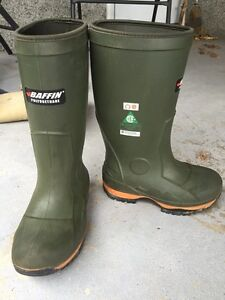CSA Baffin winter boots, Size 7- Worn once!
