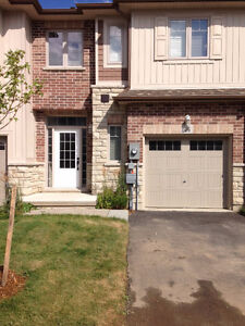 Townhome in Grimsby steps to Lake Ontario!