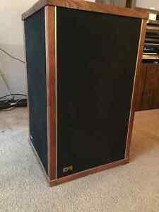 Vintage EPI MODEL 250, SERIES 3 floor standing speakers EPICURE