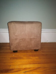 Leg rest chair
