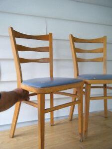 6 chaises en bois