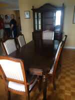 PRACTICALLY NEW!!! Dining room table set, $800 NEG