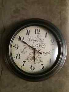 Horloge murale comme neuve