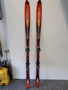 Ski alpin Salomon axendo 8 (181 cm) avec fixations salomon 850