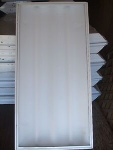 t8 fluoresent lights for sale/2 x4 ft
