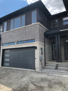 Beautiful brand new townhome for lease in Stoney Creek - $2,399/
