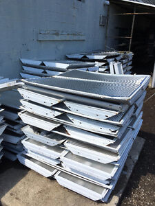 Variety of 4ft fluorescent tube fixtures Stratford Kitchener Area image 2