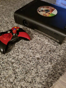 Xbox 360 w/  1 Controlle and games