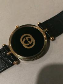 7dc020a058d Women s Gucci 2000L watch