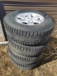 4 Jantes avec pneus d'hiver gmc canyon 2015+