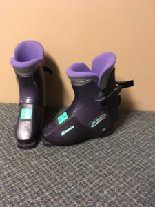 Ladies Rear Entry Down Hill  Ski Boots ( Size 26.0 )
