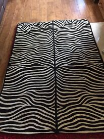 Zebra pattern rug with thick cotton back