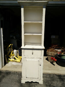 Vintage Style Solid Wood Hutch $80 FIRM