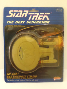 Star Trek 1988 Galoob U.S.S. Enterprise and 8 Figures