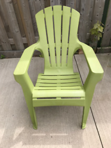 2 Muskoka Style Plastic Deck Chairs at Great Price