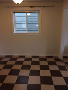 Room for Rent Garneau / University with Private Washroom