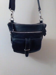 ROOTS SIDE SADDLE PRINCE BAG (ALSO WORN AS CROSS BODY BAG)