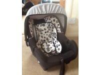 Baby weavers car seat and sunblind in smart orbit black