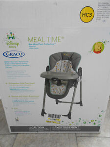 "Graco ""winnie the pooh""  high chair with 2 seat covers,exc. cond Edmonton Edmonton Area image 2"