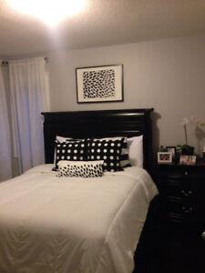 Beautiful 3 piece queen bedroom set