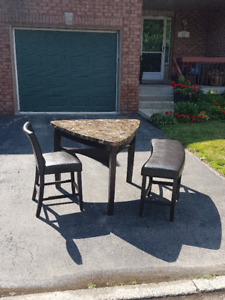4 Piece Kitchen set - Table, bench and 2 chairs