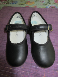 Capezio Black leather tap shoes - Size 10.5 M