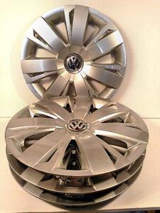 4 enjoliveurs (hubcaps) VW Jetta 16 po. - 5C0.601.147.A