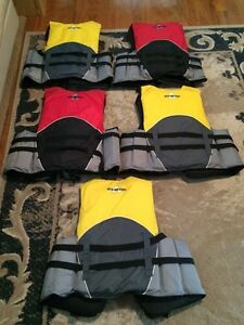 6 LIFEJACKETS FOR SALE London Ontario image 2