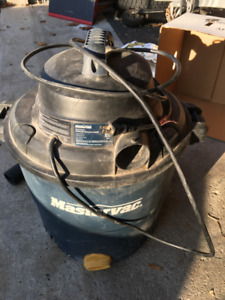 10 gallon wet/dry Vac. in good working condition