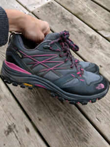 Womens North Face Gore Tex size 7 hiking shoes