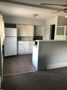 2 Bedroom 2nd floor Bright and Clean Costco Area