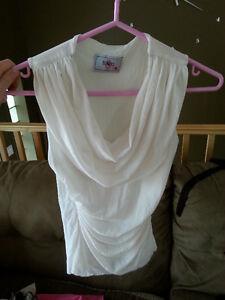 Chandail, chemise, camisole Saguenay Saguenay-Lac-Saint-Jean image 2