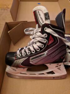 Bauer Vapor X60 Jr Skates - Size 2.5D (New In Box)