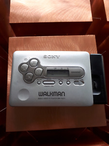 Sony walkman groove  cassette player and radio