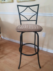 2 Monarch Bar stools