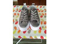 Size UK 3 Leather Silver Converse All Star shoes