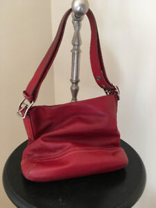 Leather Coach Bucket Bag in Rouge