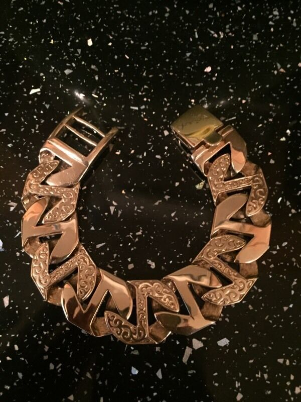 Mens Big 9ct Gold Curb Bracelet Nice And Chunky In