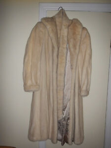 Pearl mink coat in excellent condition