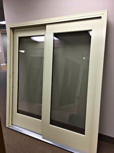 GOLDEN WINDOWS ALUMINUM CLAD WIDE-RAIL PATIO DOOR IN ALMOND London Ontario image 2