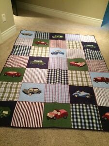 Pottery Barn Kids Quilt - Full/Queen with 1 Sham